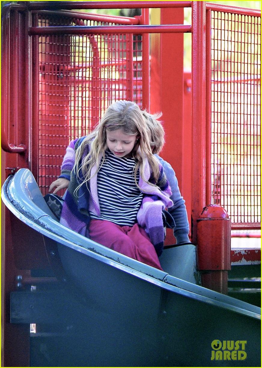 gwyneth paltrow park kids 012590536