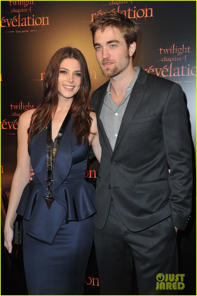 robert pattinson ashley greene twilight paris premiere 012592842