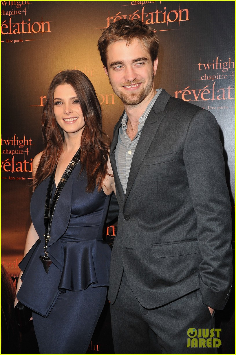 robert pattinson ashley greene twilight paris premiere 062592847