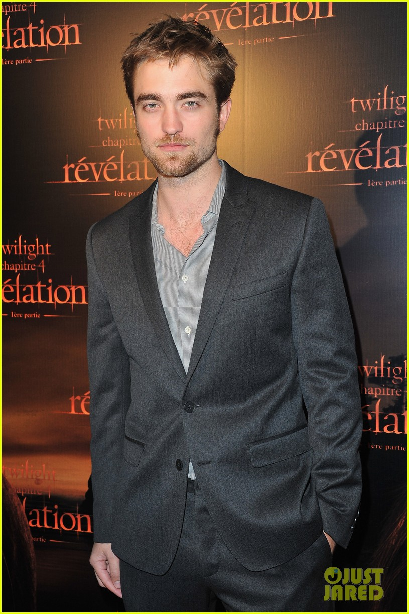 robert pattinson ashley greene twilight paris premiere 072592848