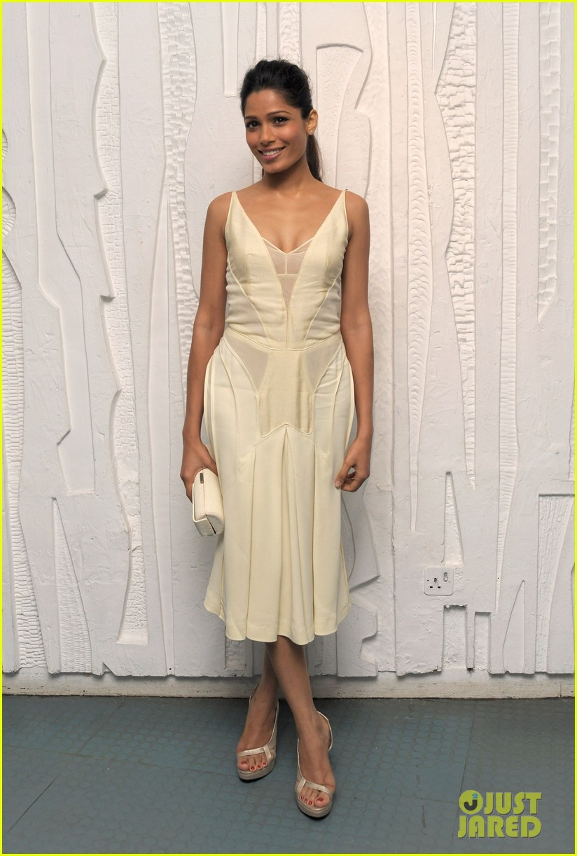 frieda pinto calvin klein dinner with luke evans 052589694