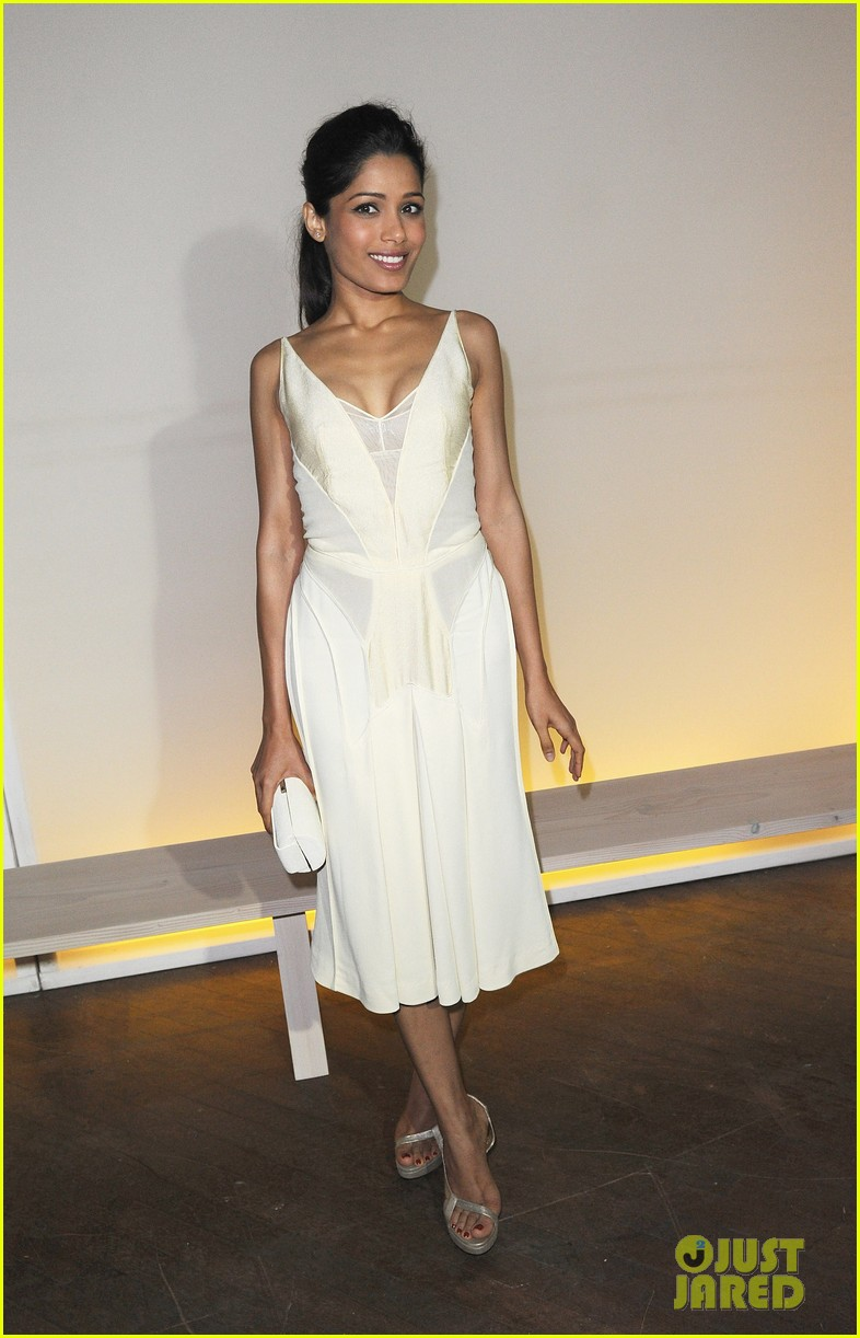 frieda pinto calvin klein dinner with luke evans 06