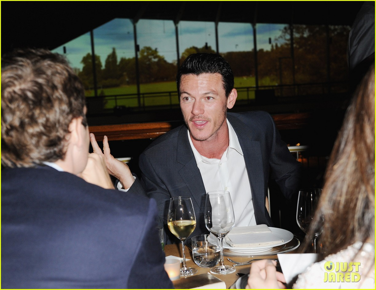 frieda pinto calvin klein dinner with luke evans 082589697