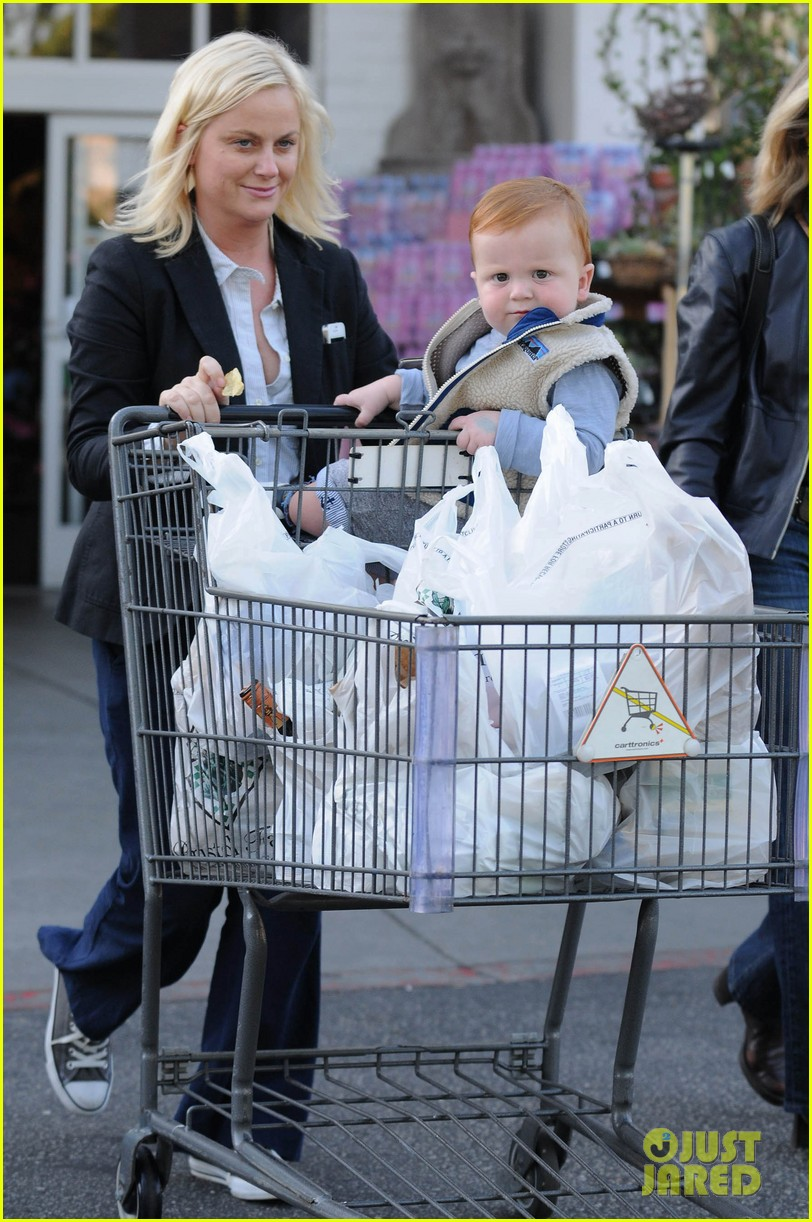 amy poehler abel grocery shopping 012594322