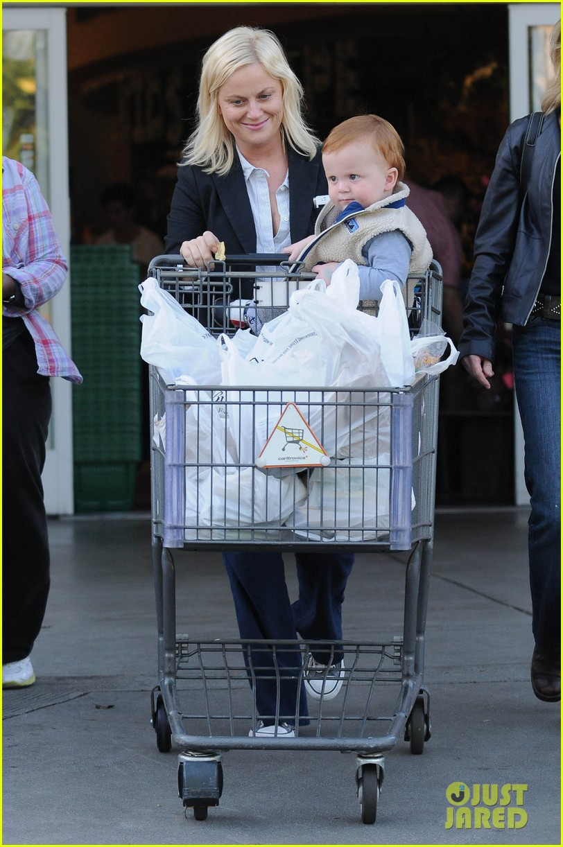 amy poehler abel grocery shopping 032594324