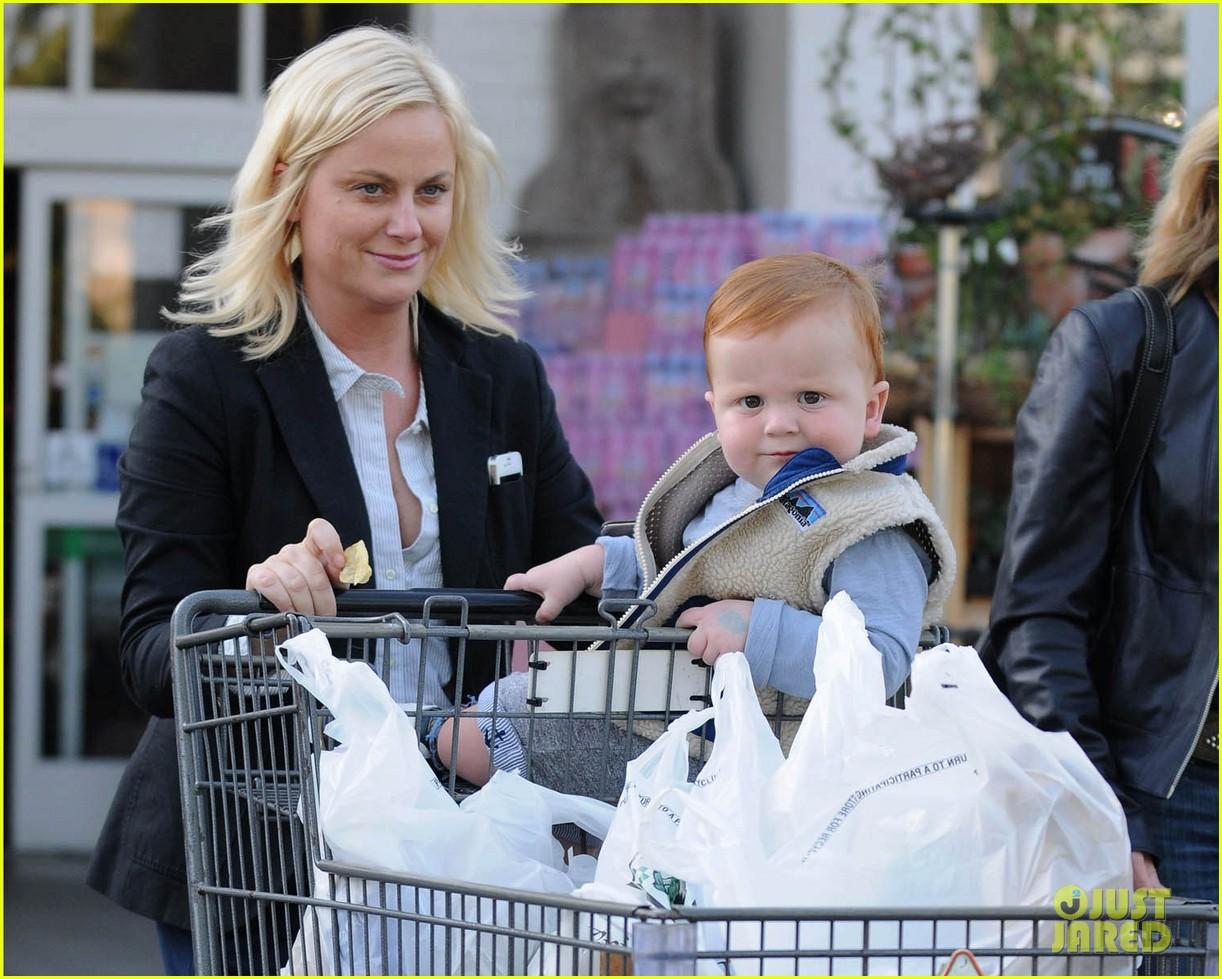 amy poehler abel grocery shopping 06