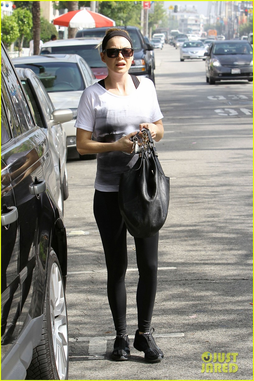 ellen pompeo chris ivery errands 02