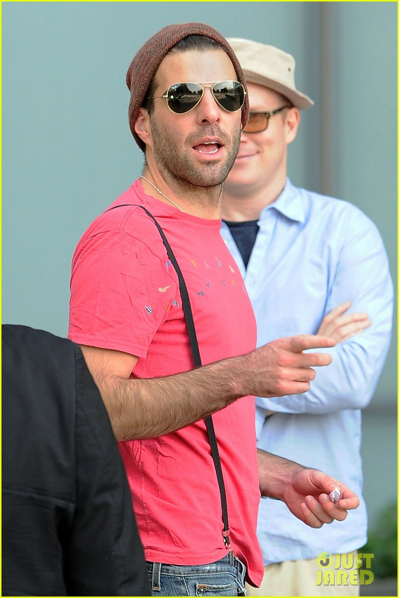 zachary quinto leaves luggage 01
