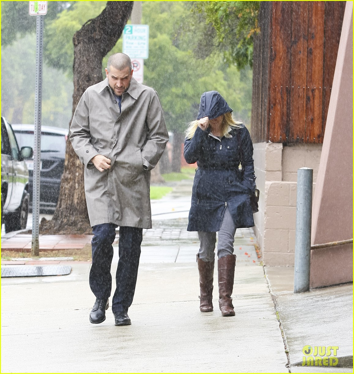 reese witherspoon camila alves lunch date rain 082587272