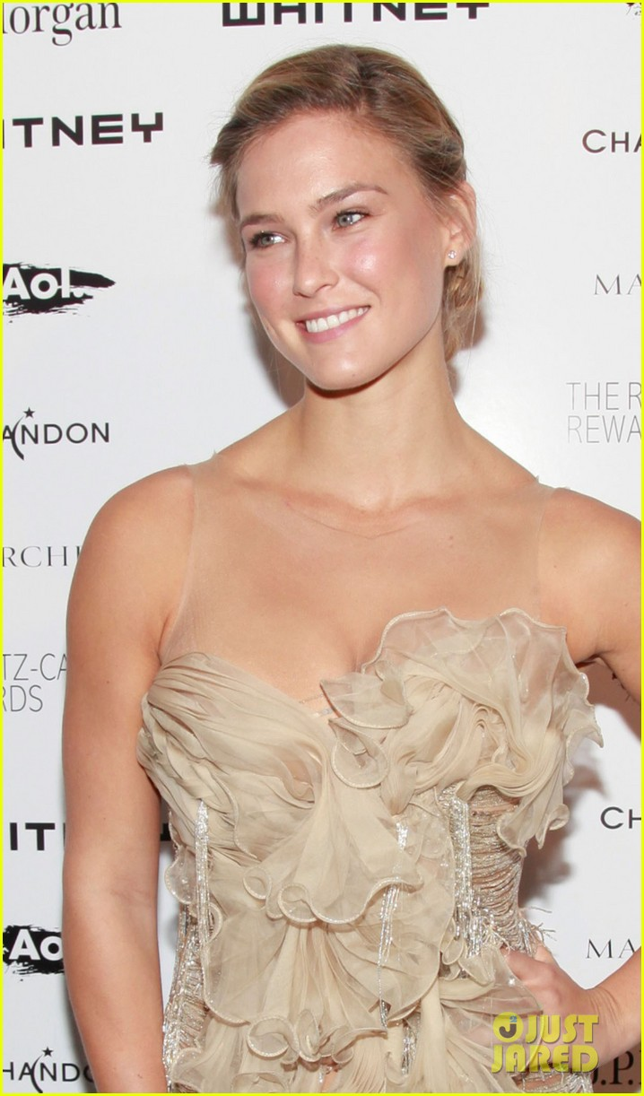 bar refaeli whitney gala 05