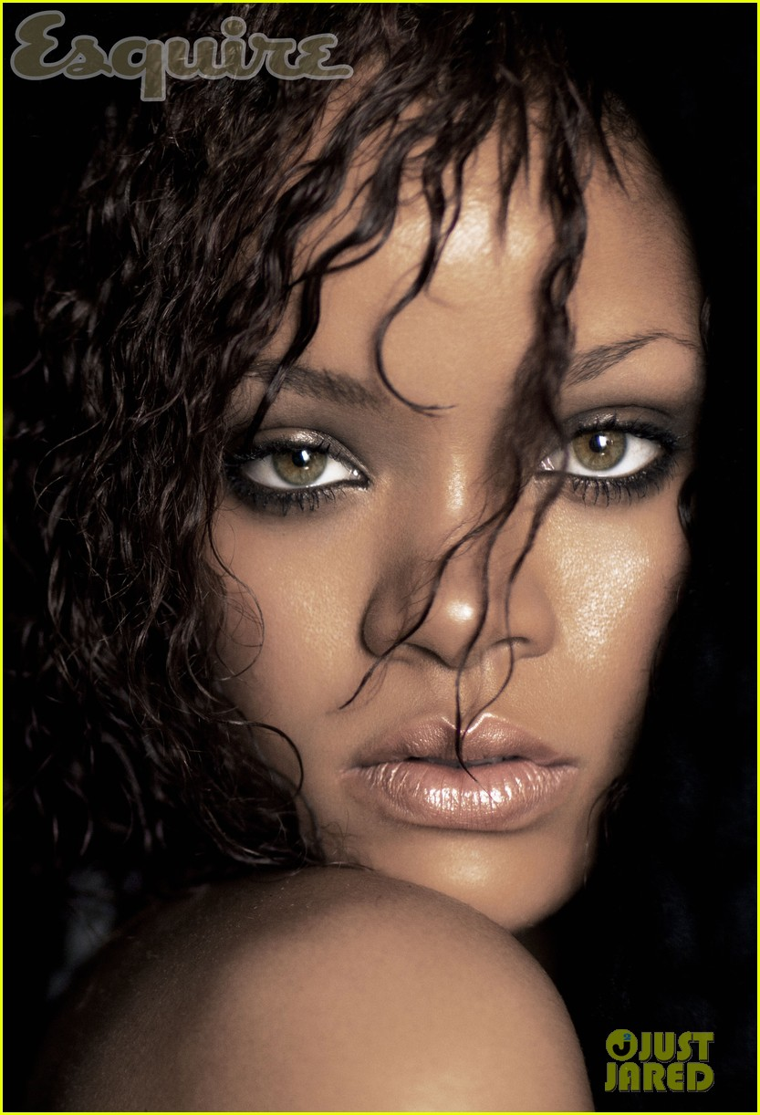 rihanna nude esquire november 2011 01