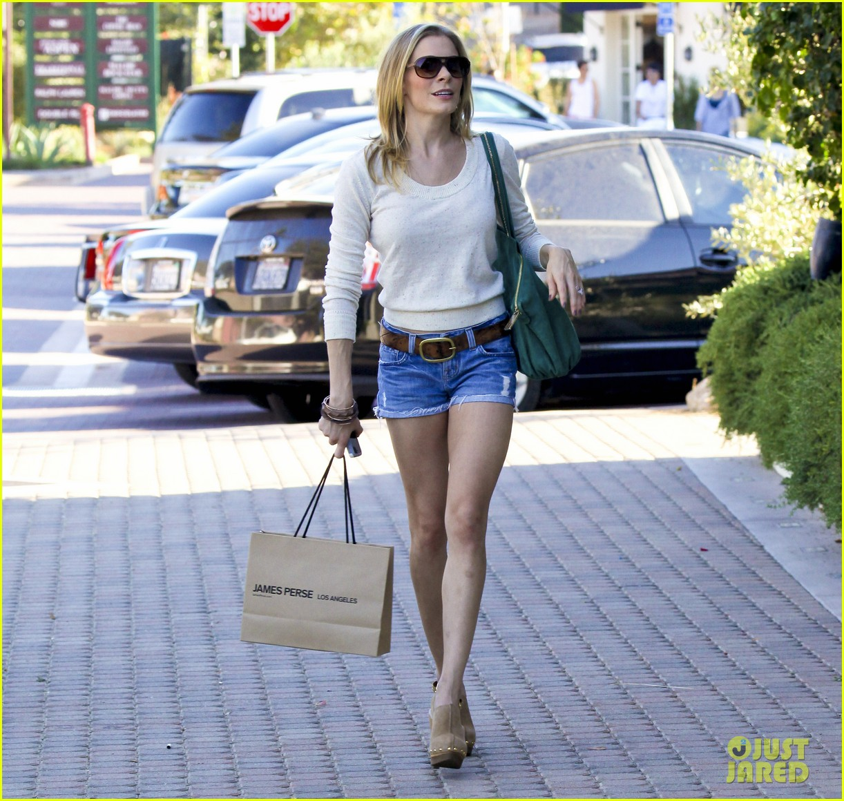 leann rimes shopping shorts 082586134
