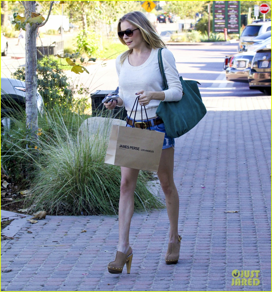 leann rimes shopping shorts 132586139