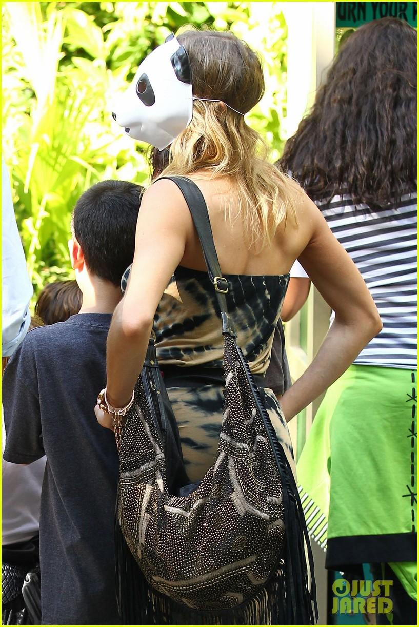 leann rimes eddie cibrian zoo day 072595443