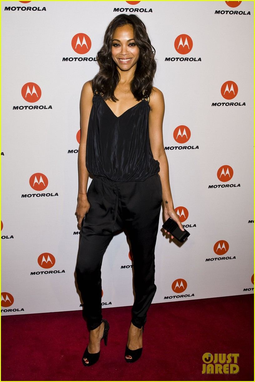 zoe saldana motorola droid motoactv launch party 02