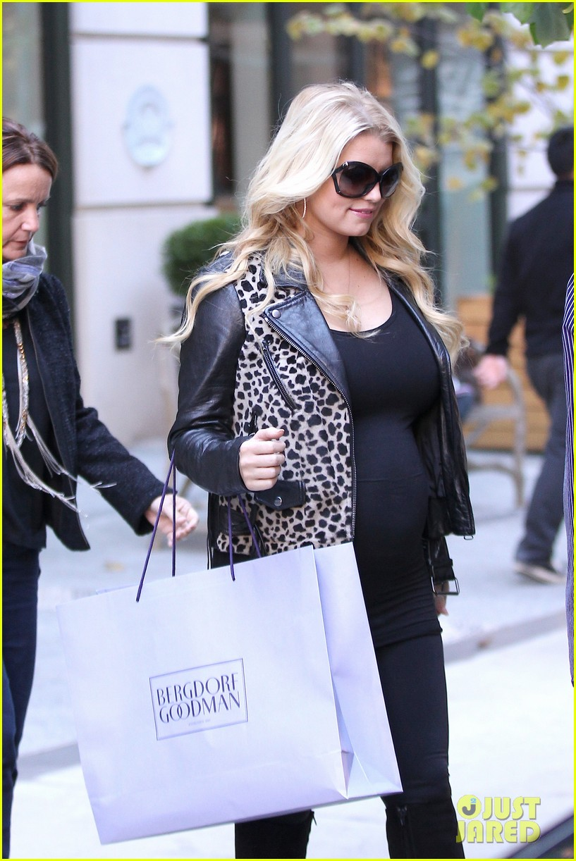 jessica simpson stomach bergdorf 07