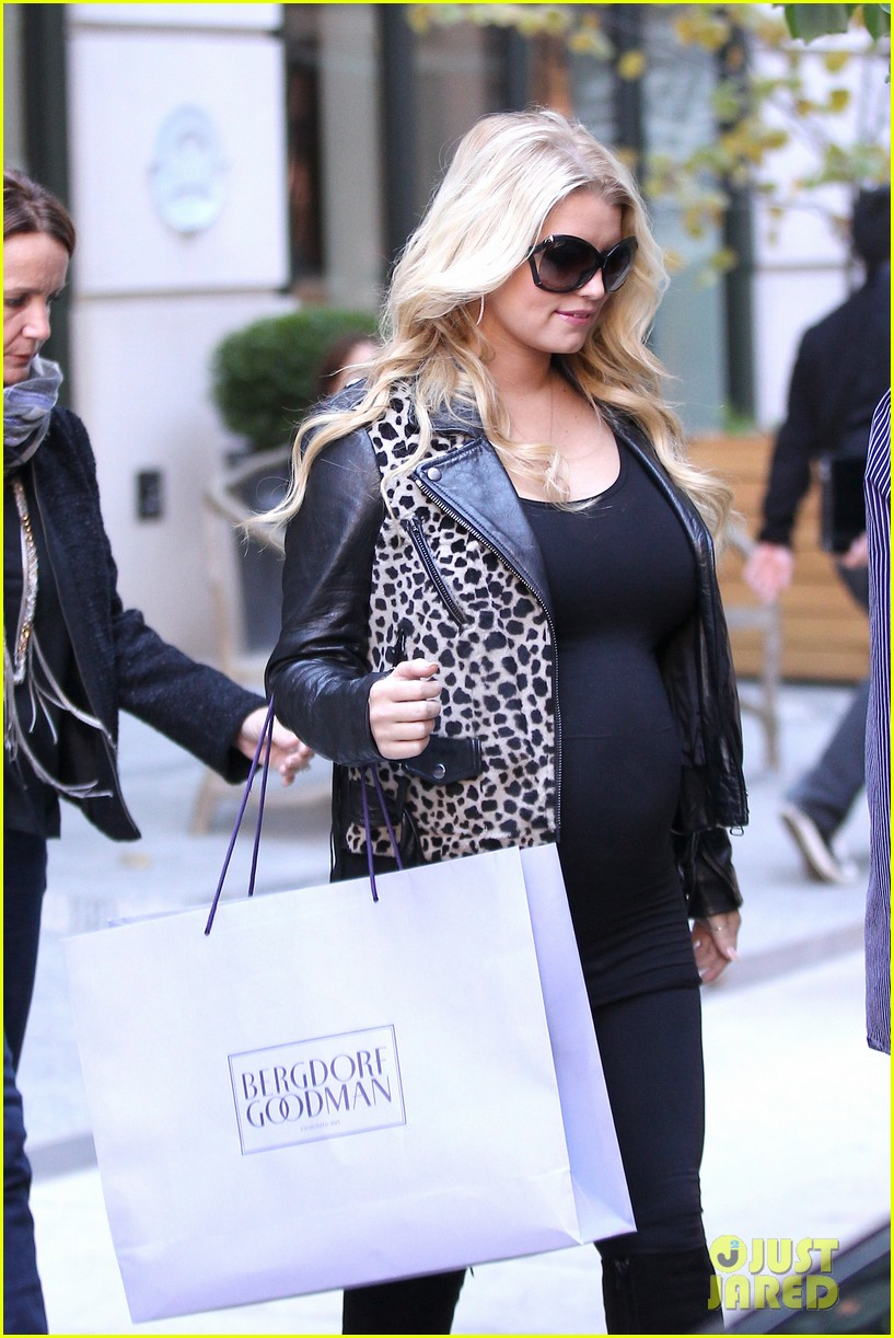 jessica simpson stomach bergdorf 08