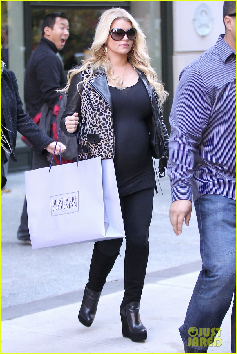 jessica simpson stomach bergdorf 11