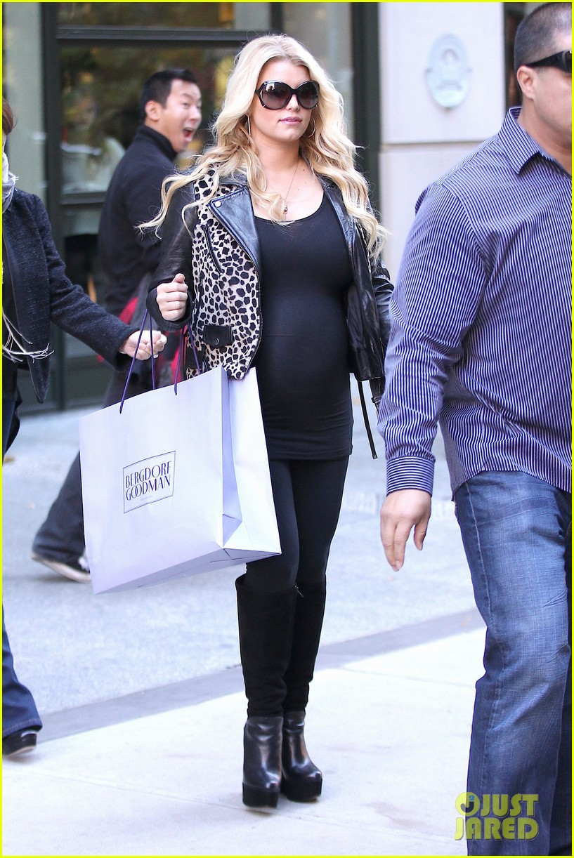 jessica simpson stomach bergdorf 122593531