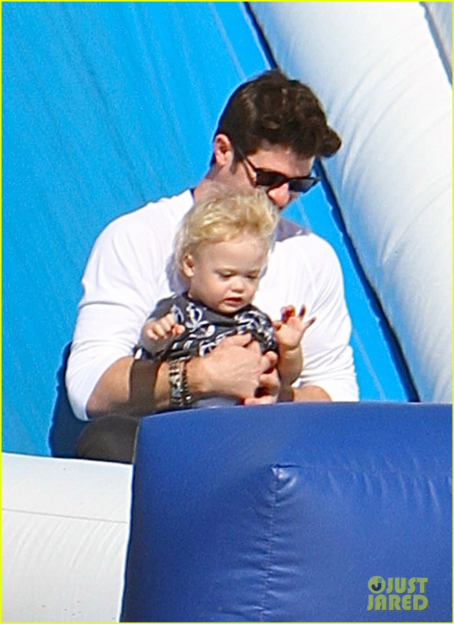 robin thicke paula patton pumpkin patch with julian 142588460