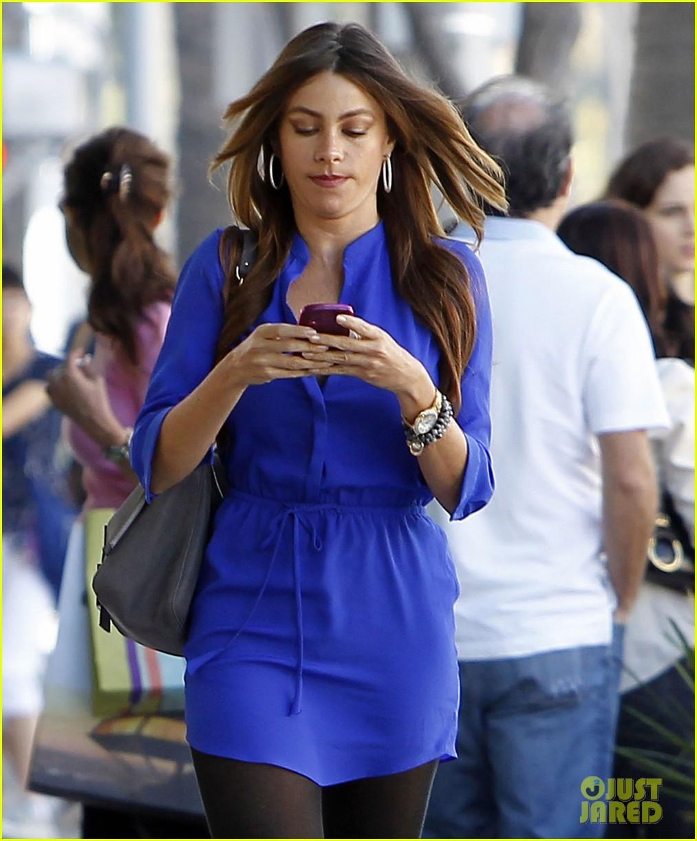 sofia vergara blue dress 032595480