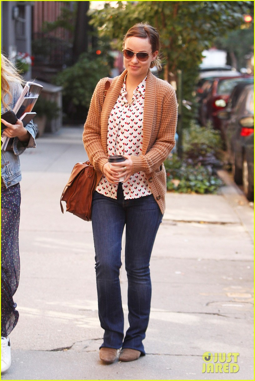 olivia wilde breakfast west village 01