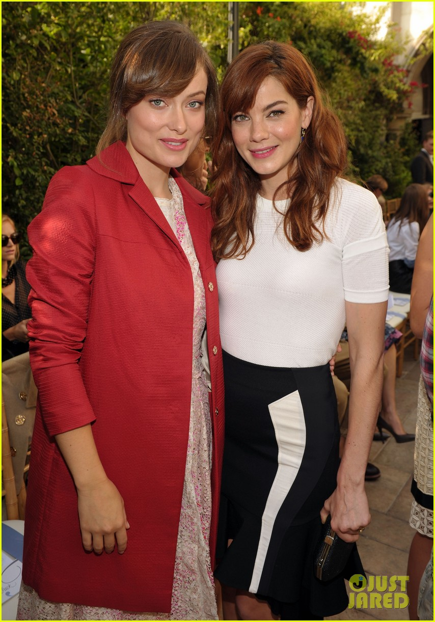 olivia wilde cfda vogue fashion fund with michelle monaghan 022592030
