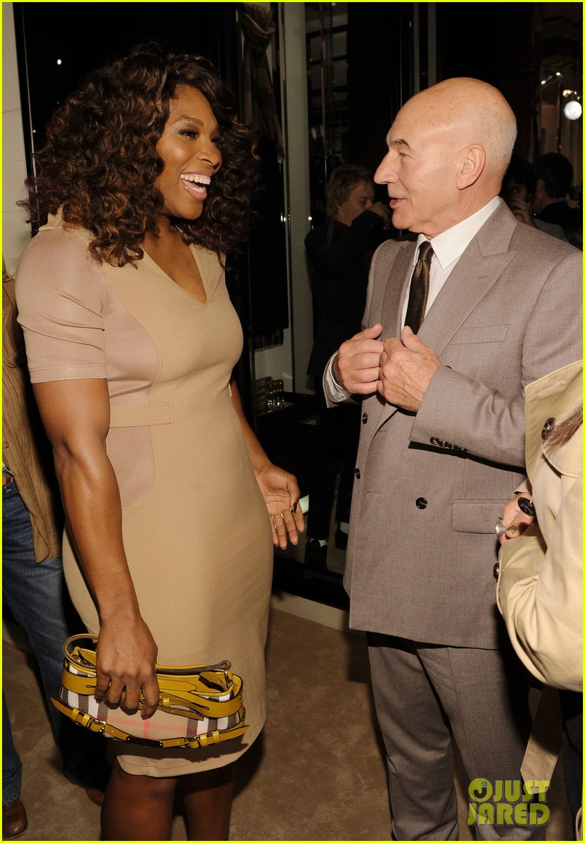 serena williams ashley madekwe burberry body bash 04