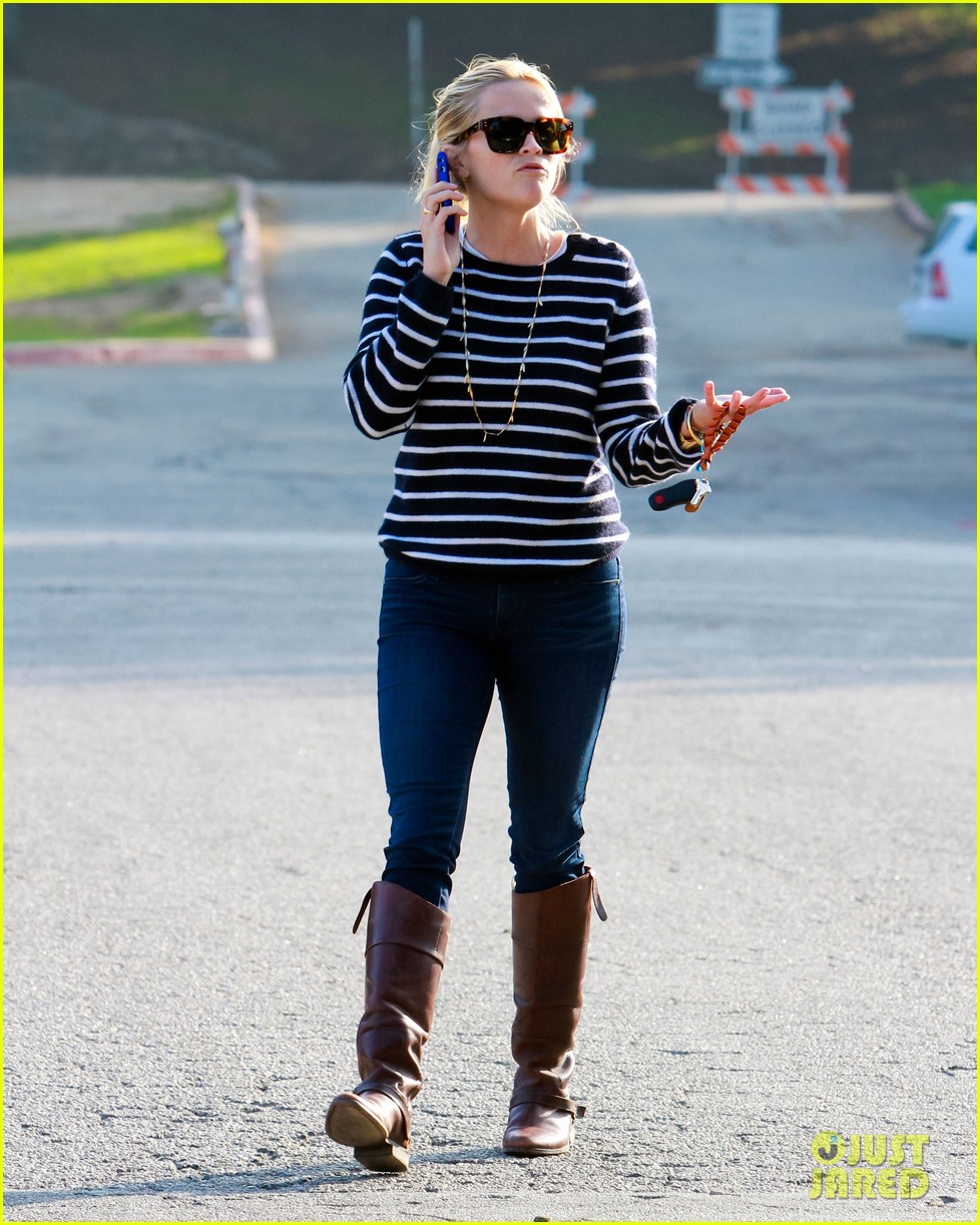 reese witherspoon ava griffith park 072591617