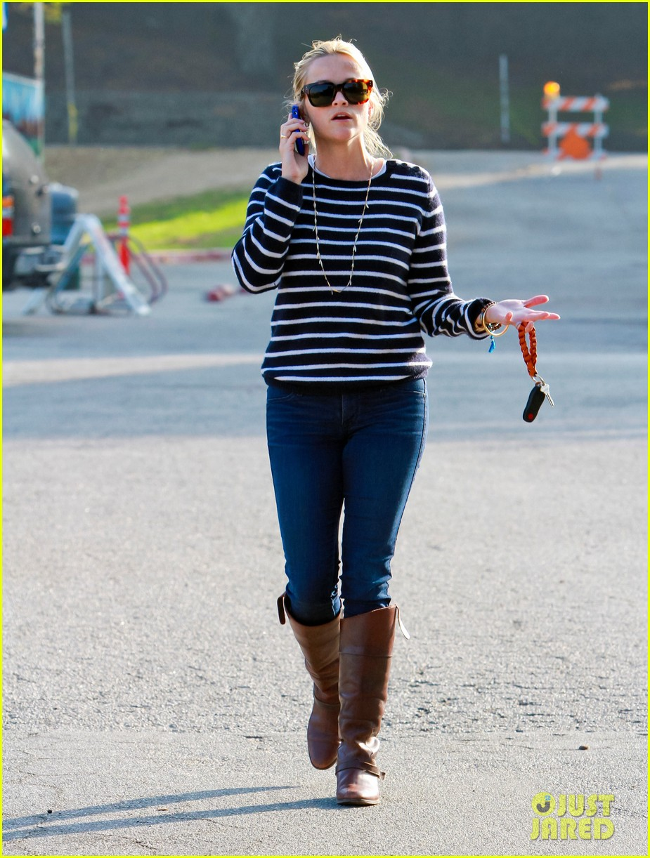 reese witherspoon ava griffith park 082591618