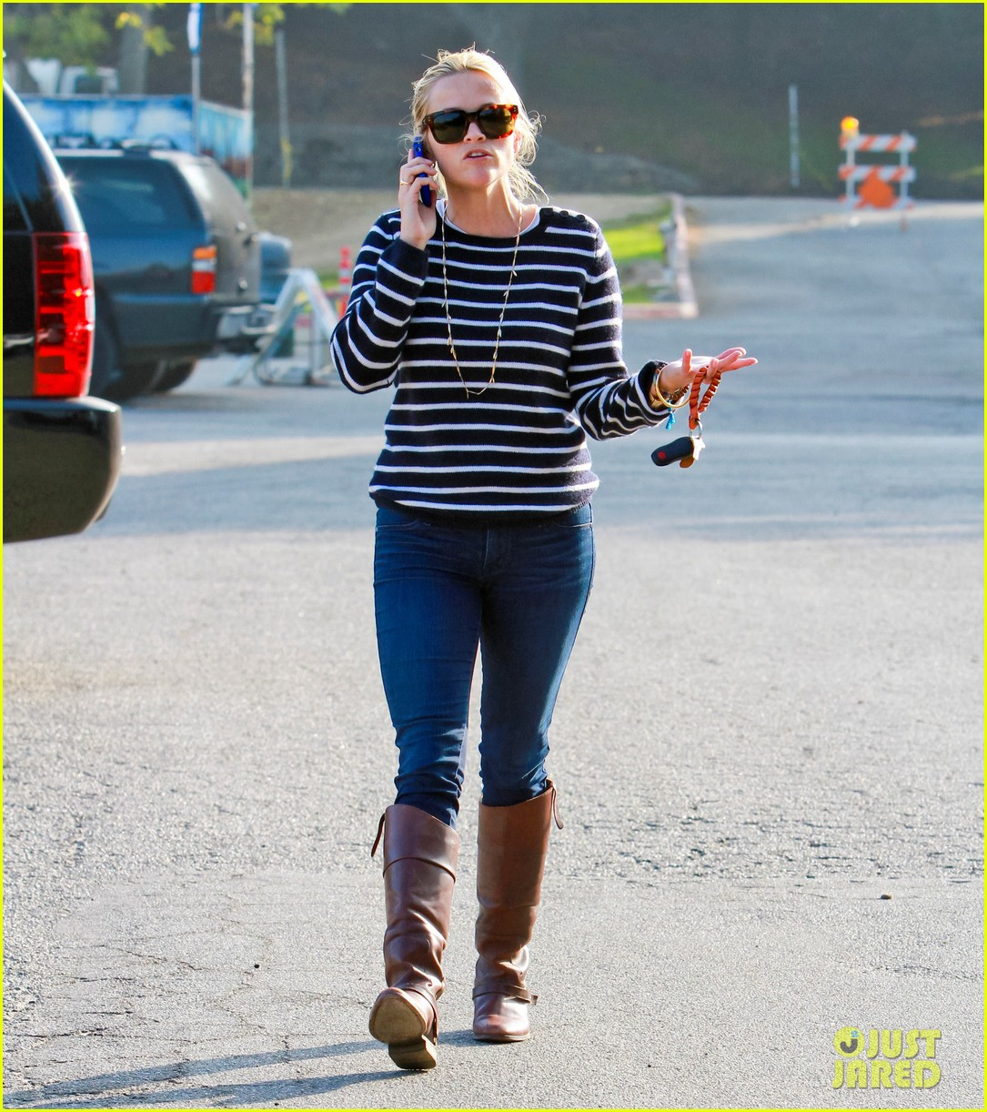reese witherspoon ava griffith park 092591619