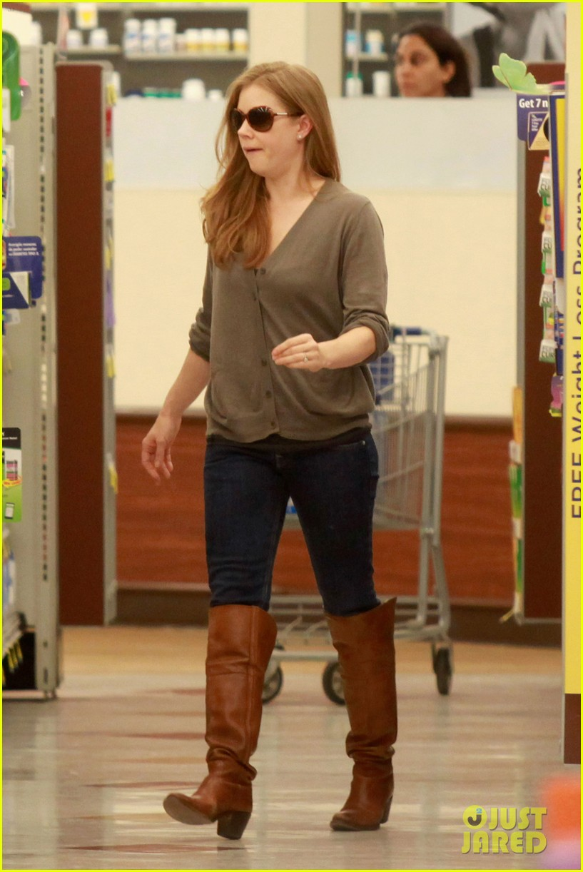 amy adams lunch errands with family 04