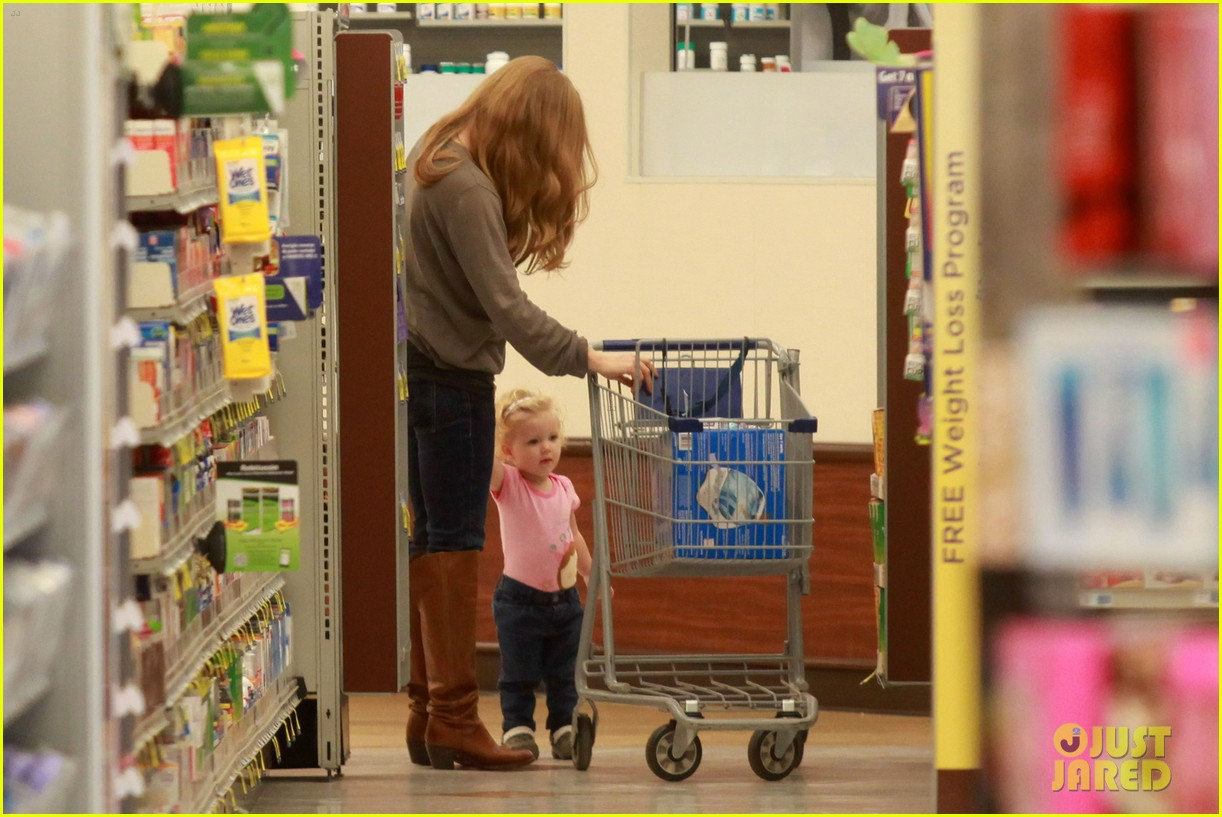 amy adams lunch errands with family 07