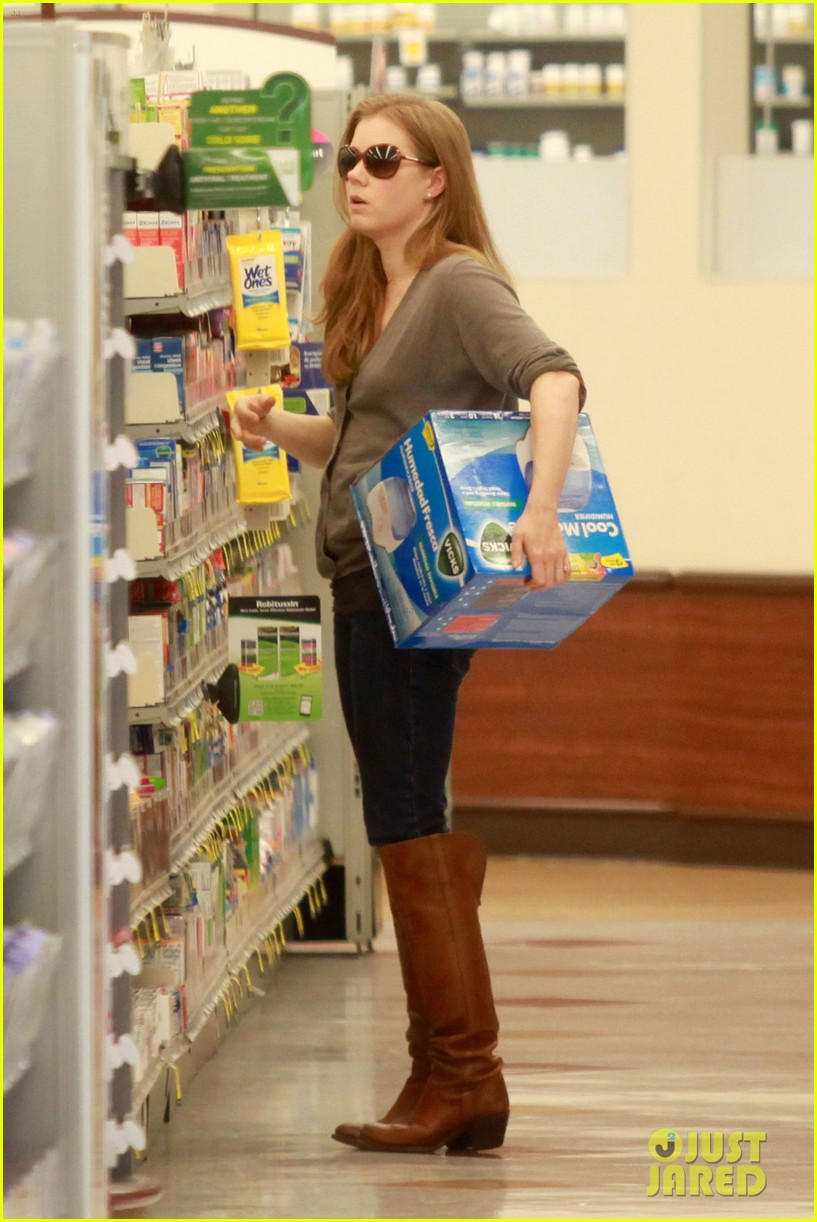 amy adams lunch errands with family 17