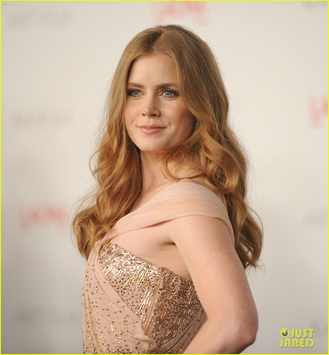 amy adams lacma gala with rashida jones 09