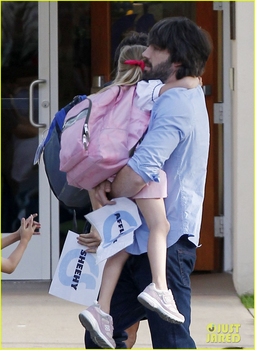ben affleck violet hug after school 072604750