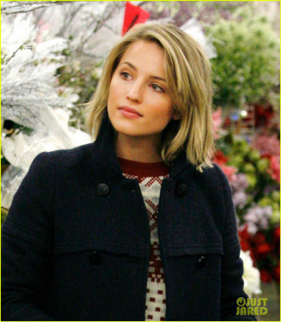 dianna agron christmas decoration shopping 032603236