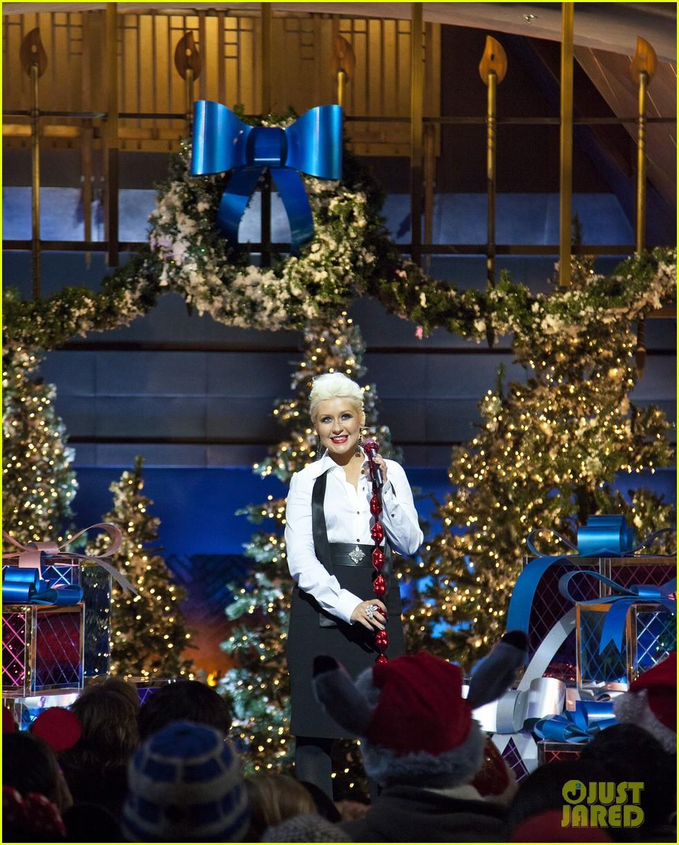 christina aguilera disney christmas 052597664
