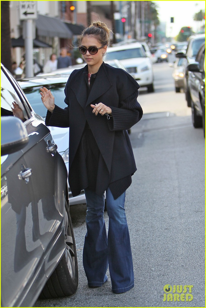 jessica alba le pain quotidien with honor 032602795