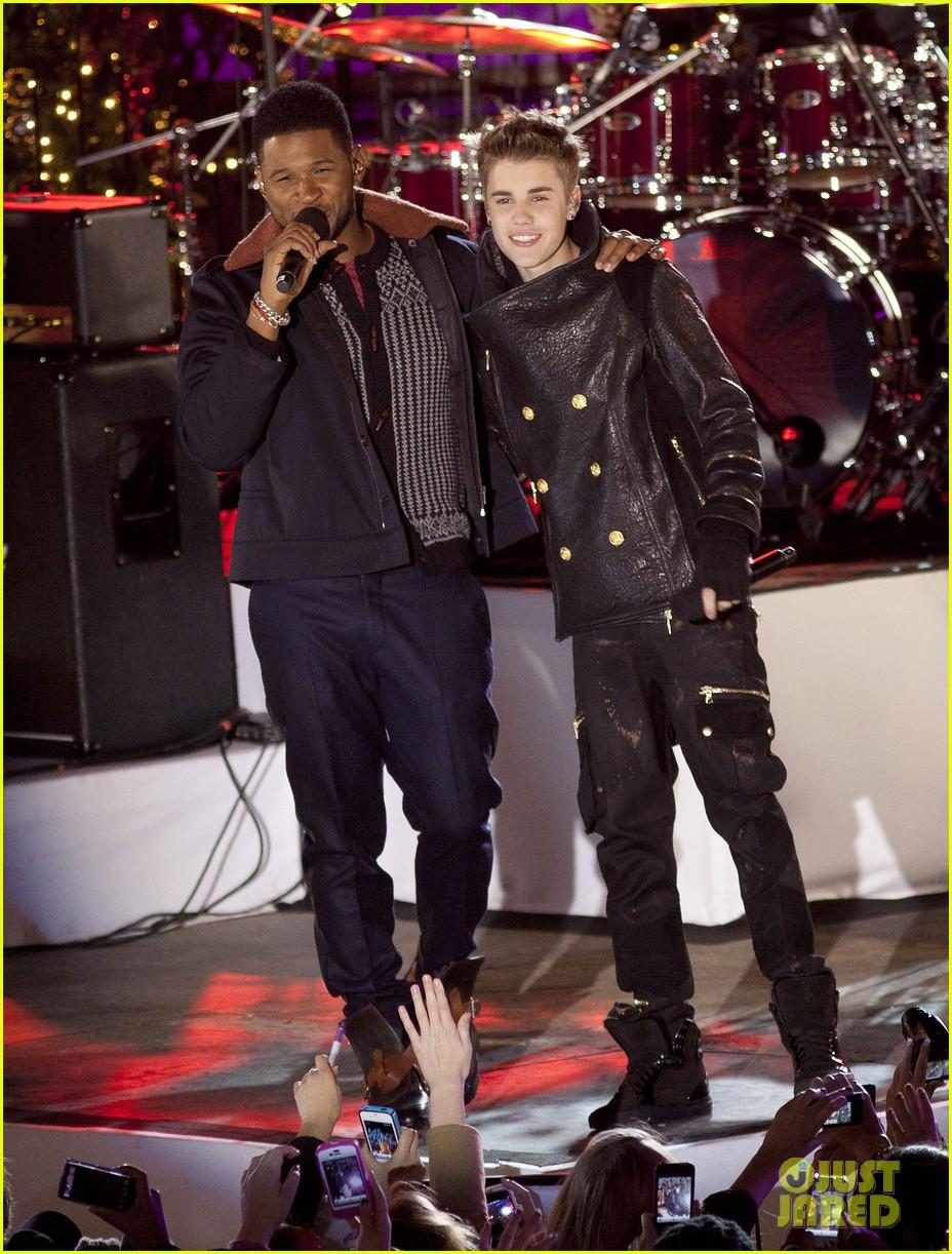 Justin Bieber: Christmas Concert Pics!: Photo 2603625 | Justin ...