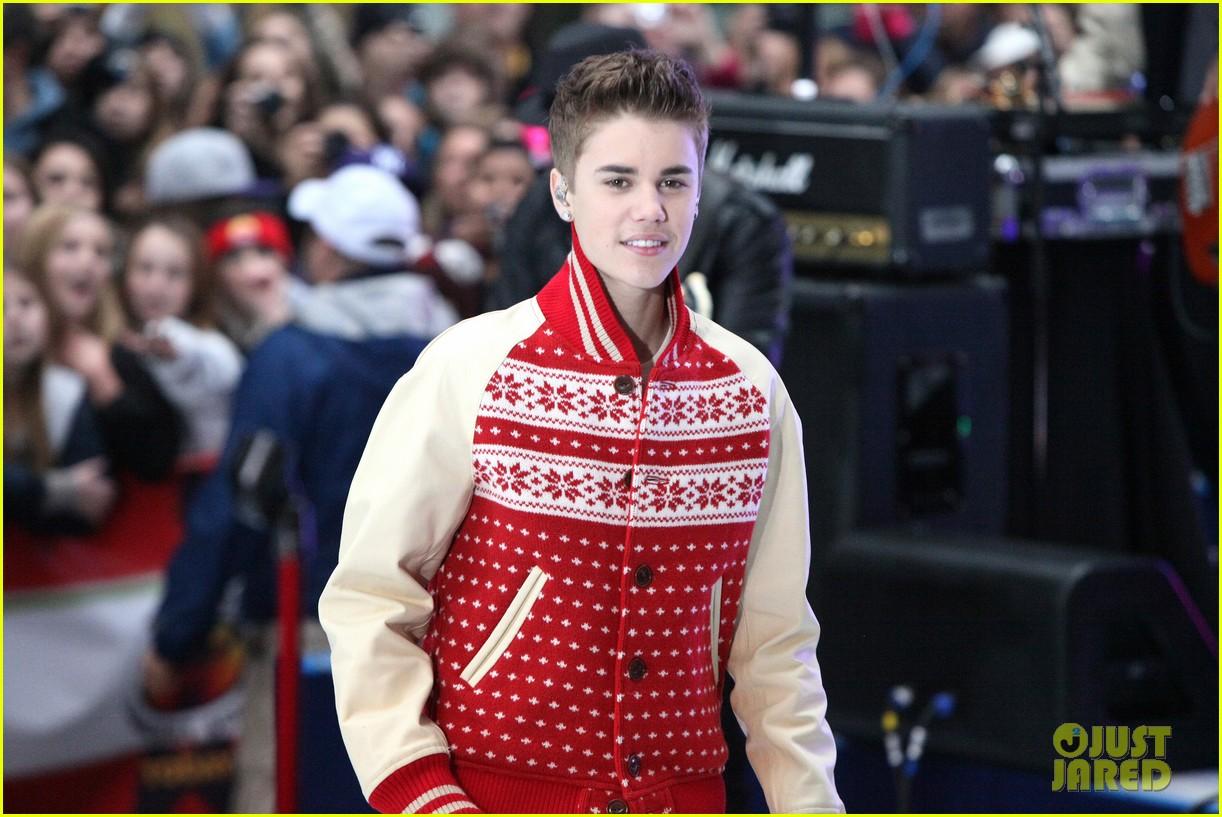 Justin Bieber: Christmas Concert Pics!: Photo 2603642 | Justin ...