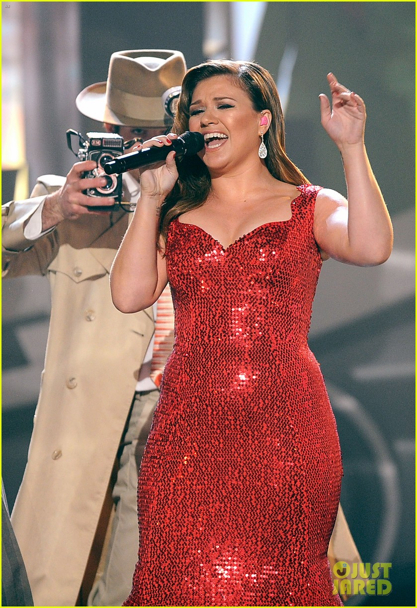 kelly clarkson amas 2011 01