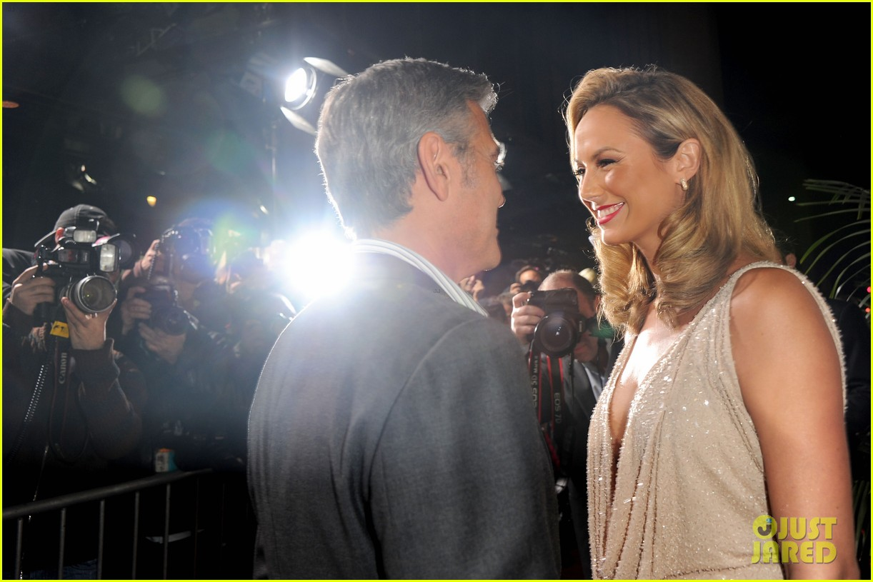 george clooney stacy keibler descendants la 04