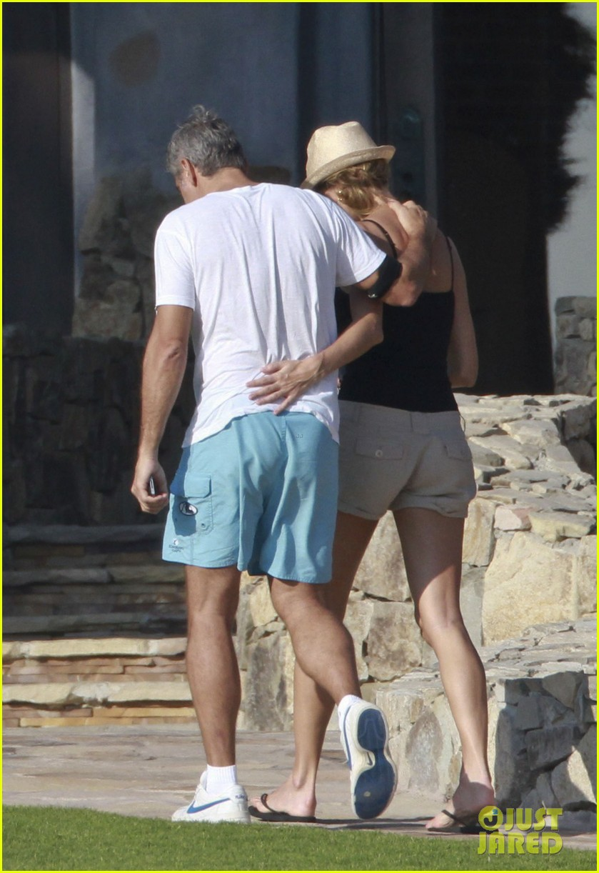 george clooney stacy keibler mexico vacation 012597519