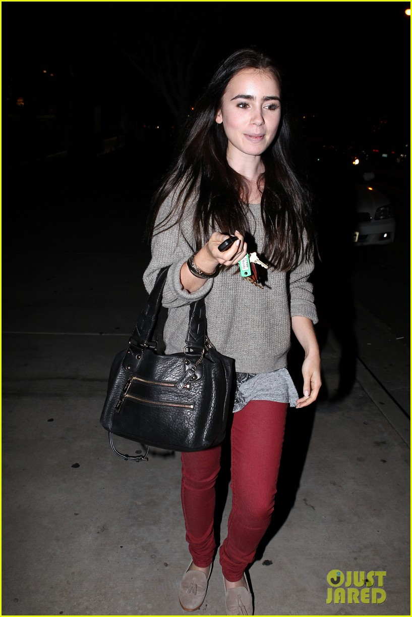 lily collins newsroom cafe 10