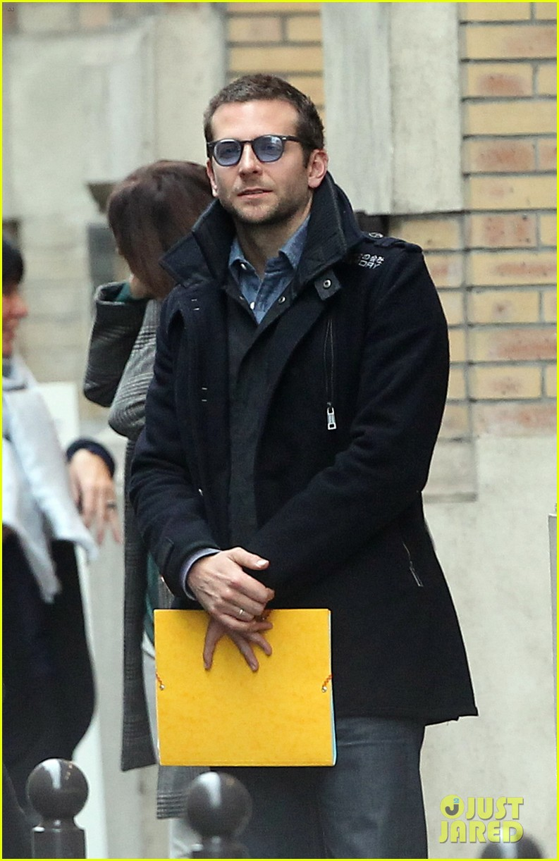 bradley cooper out and about in paris 042604816
