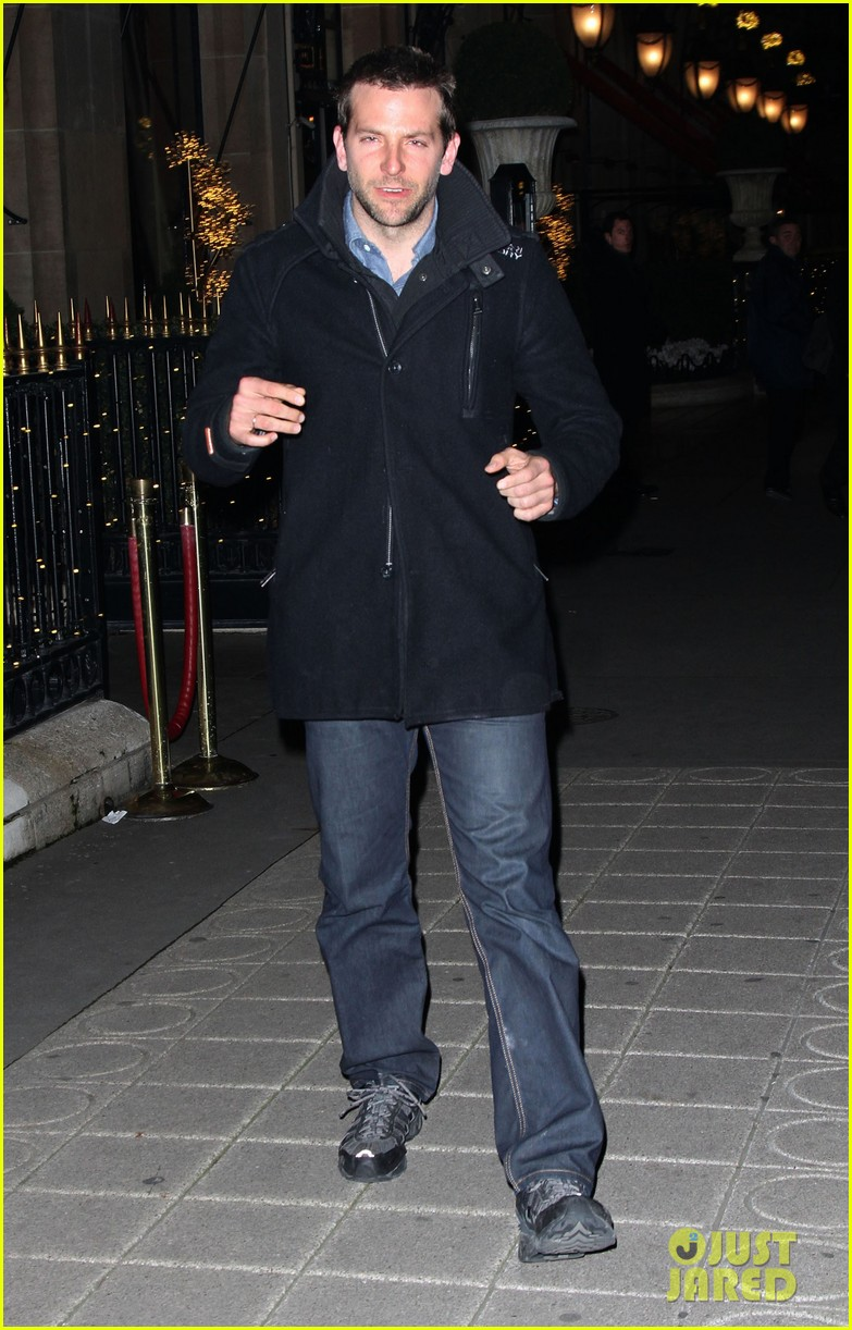 bradley cooper out and about in paris 082604820