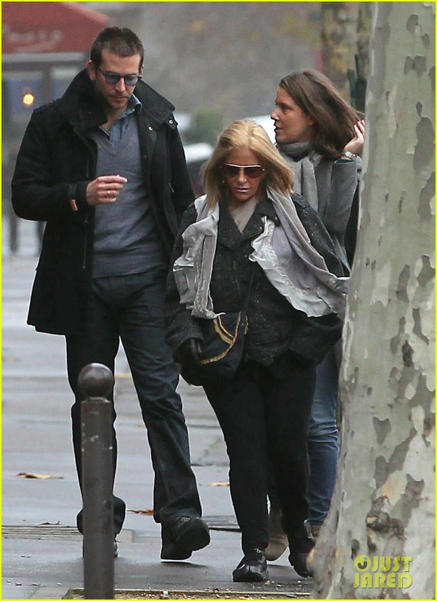 bradley cooper out and about in paris 18