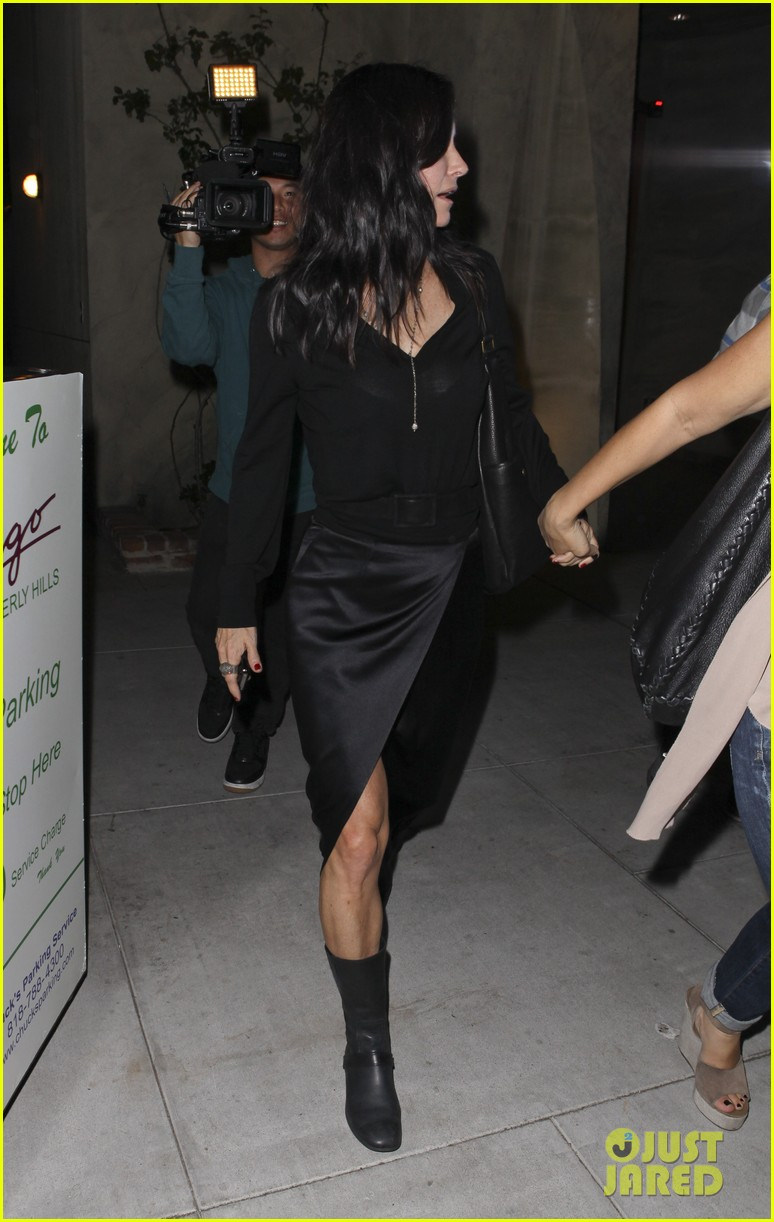courteney cox out to dinner 022604910