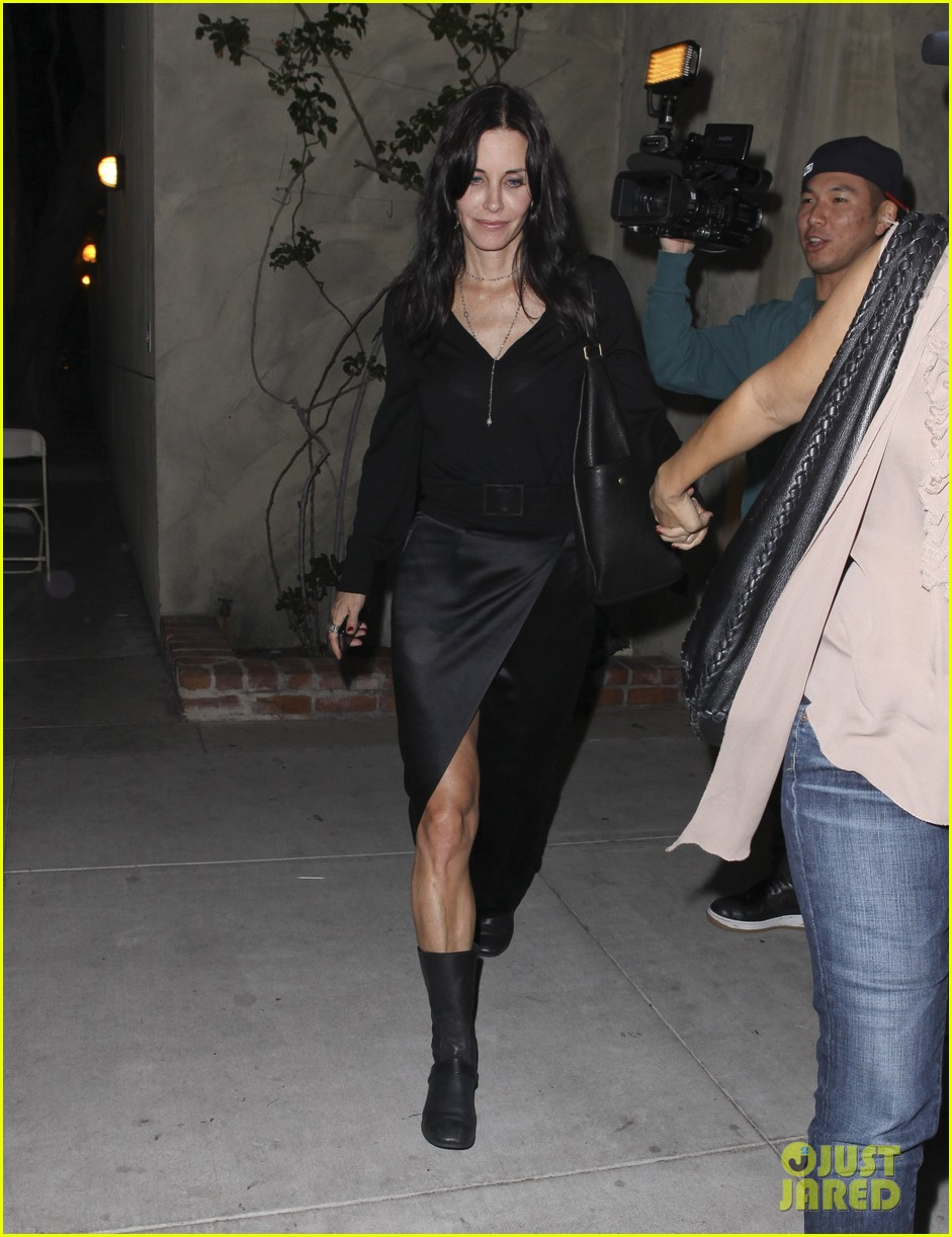 courteney cox out to dinner 072604915